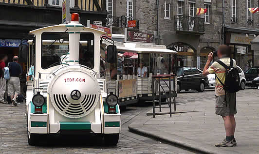 Le petit train de Dinan en action